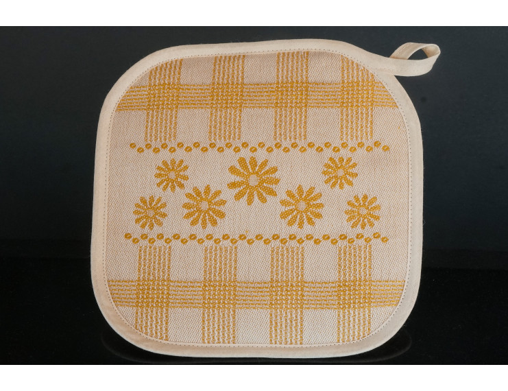 Yellow checkered pot holder with flowers